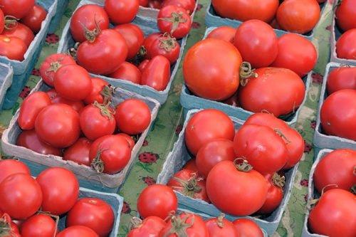 Рекомендация 4: укрепление корневой системы помидоров.
